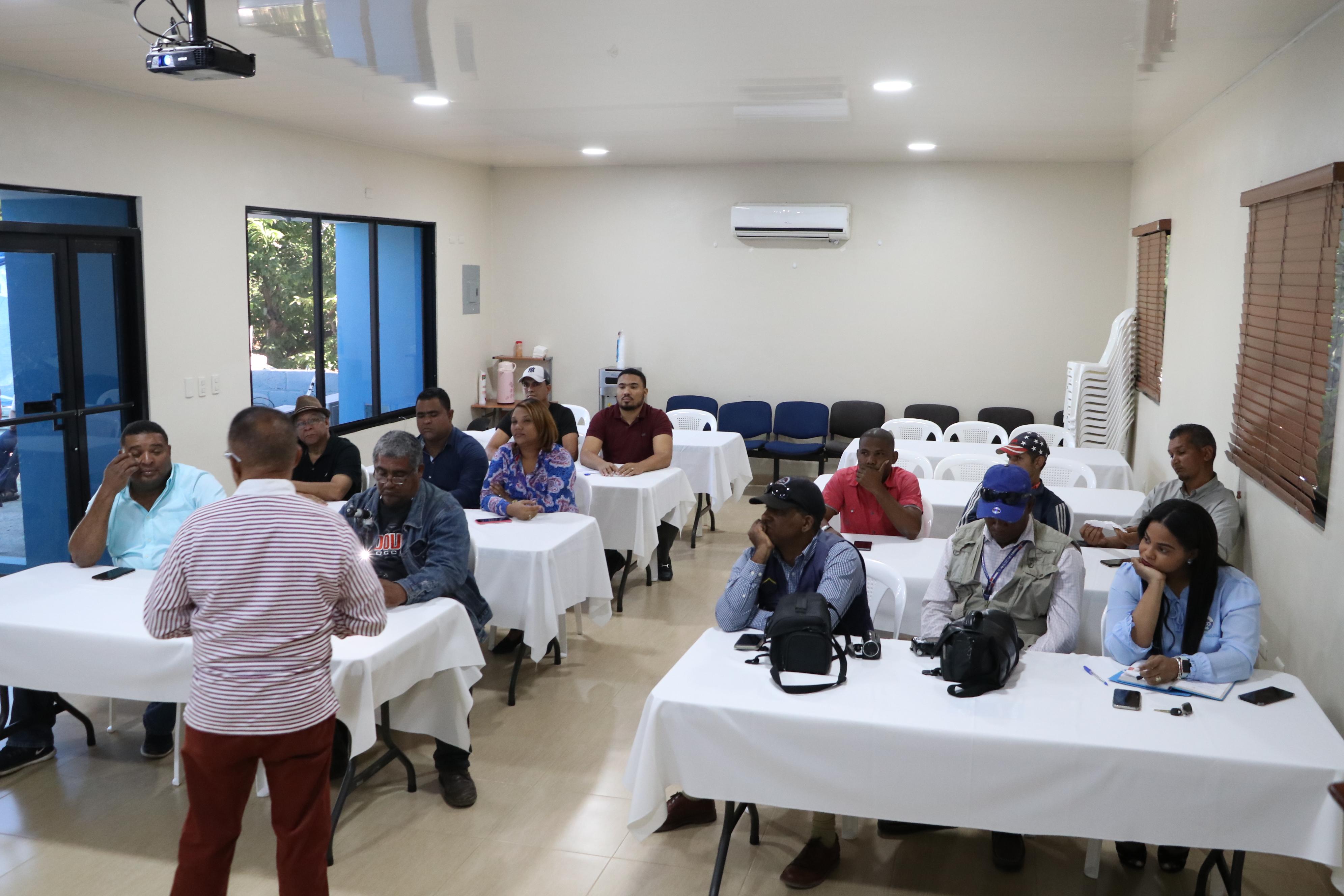 SRSCO IMPARTE TALLER A COMUNICADORES DEL ÁREA DE LA SALUD