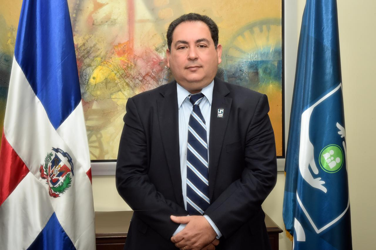 Presidente Luis Abinader designa a Mario Lama director ejecutivo del SNS