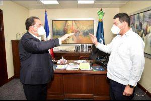 JURAMENTAN NUEVO DIRECTOR SRS CIBAO OCCIDENTAL
