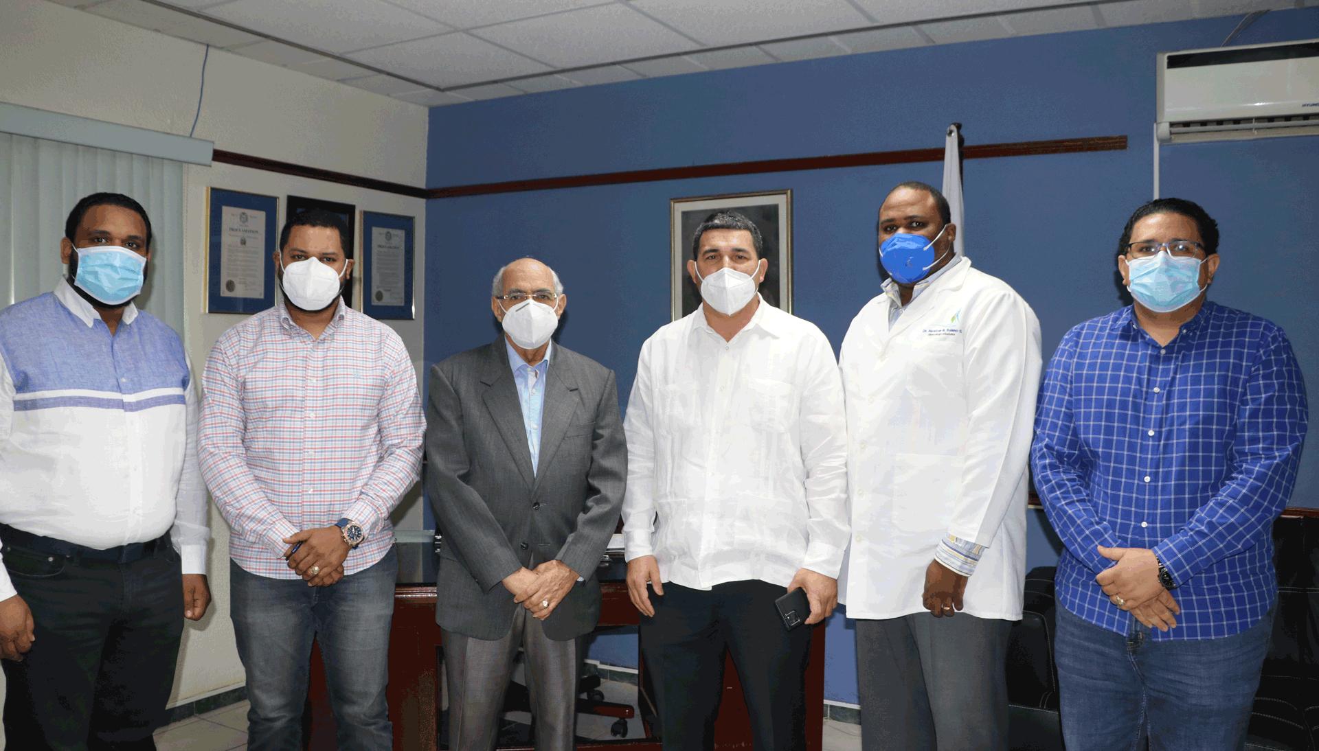 EL DR. RAMÓN RODRÍGUEZ, DIRECTOR REGIONAL DE SALUD CIBAO-OCCIDENTAL, R7 Y PRESIDENTE DEL P.R.M. EN MAO, PARTICIPA EN RUEDA DE PRENSA.