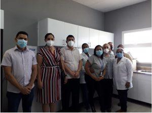 SRSCO, entrega equipos para laboratorios.